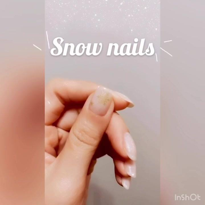 Christmas mode on ❄️🛎. Book your nail with us through WhatsApp 👇🏻 my NN ifc 📲 festivalwalk