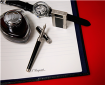 Writing New Year's resolutions is a pleasure with our elegant writing instruments :