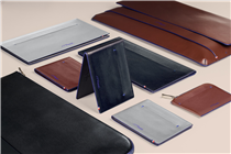 "Carry what you really need with the ""Line D Slim"" leather goods collection. An ultra thin design for urban consumers."