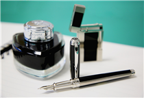 "The matching fountain pen and lighter ""Windsor"" are the height of elegance and class : symbols of our artisans' savoir-faire on lacquer and goldsmith"