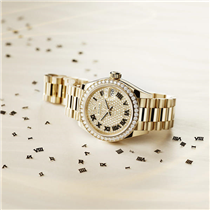 For the #Festive season, #Rolex proposes a special selection of highly desirable and sparkling watches for women.